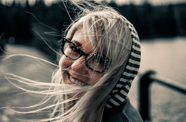 Les shampoings bio redonnent de la vigueur à vos cheveux ternes